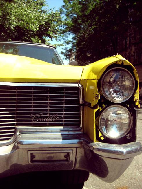 Cadillac jaune
