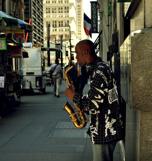 Joueur de jazz près de Wall Street