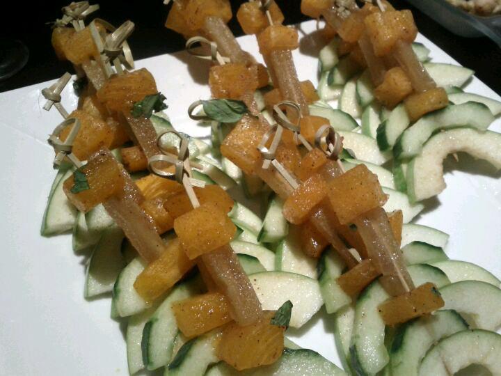 Brochettes préparées par Kristi, la Chef d'un Artiste à La Table