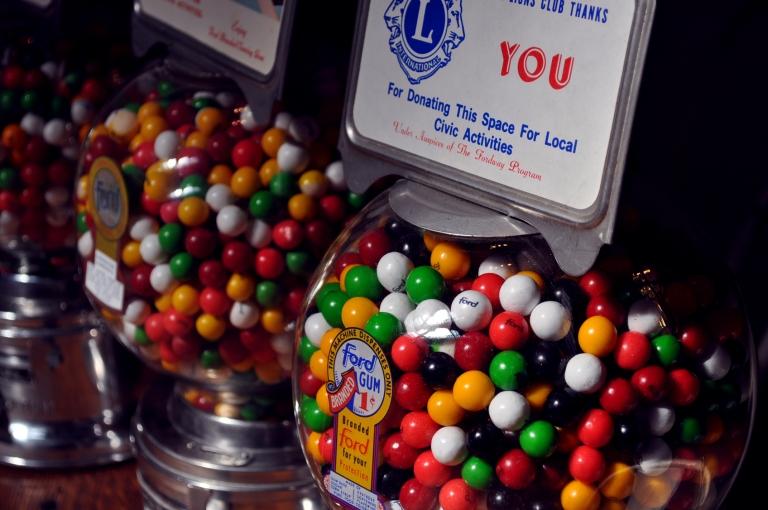 Distributeurs de bonbons retro - Wonder Vintage Market Paris Bastille