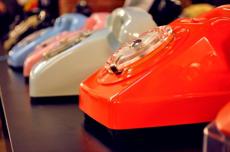 Telephones retro - Wonder Vintage Market Paris Bastille
