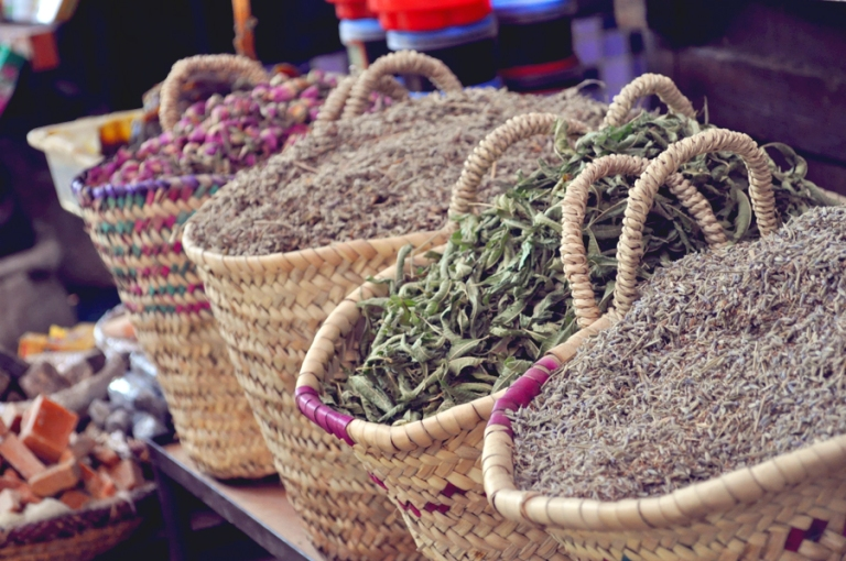 Paniers d'épices, souk de Marrakech