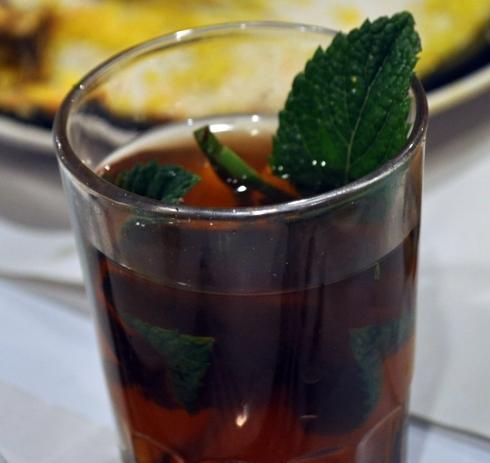 Thé à la menthe, place Jemaa El Fna, Marrakech