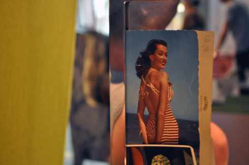 Carte postale Pin Up hotel Mama Shelter Marseille